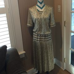"""JENNY Vintage Dress Shoulder to hem length 47"""" pleated skirt. Elastic waist 11-18"""" bust measurement 19"""". Purchased from another posher but didn't get to wear. Fun vintage style to blend with a modern touch! Jenny Dresses"""
