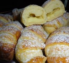 Very tasty air rolls, even like the taste of the cake Ingredients: for the dough: 380 gr. Russian Desserts, Russian Recipes, Homemade Pastries, Good Food, Yummy Food, Sweet Bakery, Sweet Pastries, My Best Recipe, Cake Ingredients