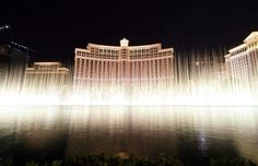 One of my favorite scenes from Ocean's Eleven is the #Bellagio scene at the end of the movie. The music and water show of that scene is such a great ending to the movie. If you've never seen the Bellagio fountain in person Las Vegas should be on your To Do List! #travel #pbbtravel #LasVegas