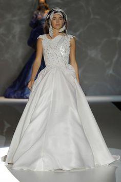 Los vestidos de novia de Isabel Zapadiez foto 19...