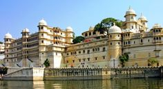Udaipur is one of the throbbing tourist hubs in India. Here are our recommendations on top things to do in Udaipur in 48 hours.