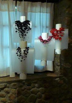 huella: on i va.la huella: on i va. Diy Necklace Stand, Necklace Display, Earring Display, Jewelry Display Stands, Jewellery Display, Jewelry Booth, Jewelry Storage, Jewelry Holder, Craft Booth Displays