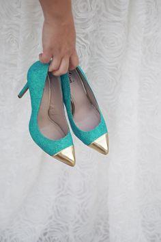 White shoes - Silver tip - orange lace?