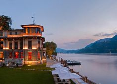 Lake Como Italy hotels offer a full range of comforts suits your accommodation needs. Find the five star hotels on the Como Lake in the heart of natural landscapes and rich culture towns