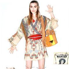 #SaraBattaglia Sara Battaglia: @elle_italia ❤️❤️❤️❤️ Teresa bag #stripes !!! #thankyou #loveit #teresabag #fringes#elle#italia#sarabattaglia #itbags @besidecom_pr