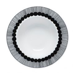 Räsymatto deep plate by Marimekko Marimekko, Assiette Design, Scandinavia Design, Soup Plating, Ceramic Tableware, Ceramic Art, Kitchenware, Plate Design, Nordic Design