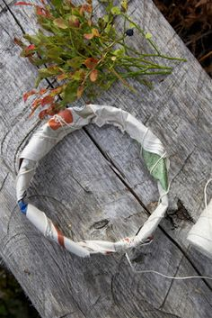 Livs Lyst on her blog you can see how to make this beautiful wreath with newspaper!