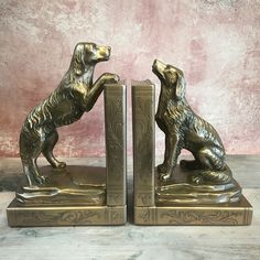 Brighten up your bookshelf with these adorable Spaniel Bookends. Crafted from cast-bronze, these classy statement pieces are perfect for dog lovers. Stack Of Books, How To Make Ornaments, Cocker Spaniel, Country Life, Bookshelves, Bookends, Dog Lovers, It Cast, Bronze