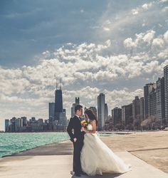 A gorgeous summer wedding in front of the Chicago skyline // Pabst Photo