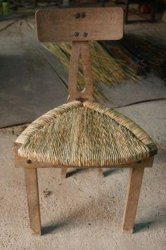 Cadira cordada: balca a tres bandes