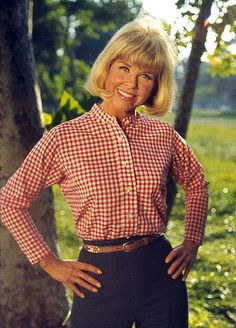 Doris Day has done so much for dog rescue.  She has devoted her life to dogs.  Great lady!