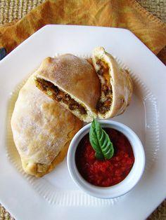 Sausage & Pepper Calzones with Garlic Crust recipe. Pizza Recipes, Beef Recipes, Real Food Recipes, Yummy Food, Italian Dishes, Italian Recipes, Empanadas, Burritos, Pizza