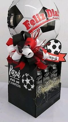 Best Dad Gifts, Daddy Gifts, Gifts For Dad, Mother's Day Gift Baskets, Themed Gift Baskets, Ideas Aniversario, Ballon Decorations, Creative Box, Alcohol Gifts
