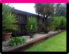 Patio Garden Bed Retaining Walls 61 Ideas For 2019 Back Garden Design, Backyard Garden Design, Diy Garden, Garden Edging, Garden Borders, Garden Beds, Garden Path, Patio Design, Garden Junk
