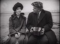 """ZaSu Pitts (1894-1963) und Gibson Gowland (1877-1951) in Erich von Stroheims """"Gier"""" (1924)."""