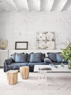 White living room ideas: 25 schemes and ideas for a chic white living room | Livingetc Rustic Loft, Modern Rustic Decor, Modern Rustic Homes, Mid-century Modern, Industrial Loft, Decor Industrial, Rustic Feel, Industrial Design, Architecture Design