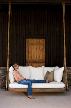 Awesome Hanging Lounger Made From Recycled Pallets | The Owner-Builder Network