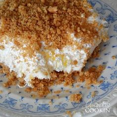 Pineapple Dream Dessert is one of those perfect potluck desserts. Cream cheese, pineapple, whipped cream and graham crackers, yum! - Food and Drinks Ideas Potluck Desserts, No Bake Desserts, Easy Desserts, Dessert Recipes, Cool Whip Desserts, Bar Recipes, Dessert Food, Dessert Drinks, Recipies