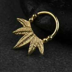 Palm φύλλα διαφράγματος Δακτύλιος Μύτη Ring σώματος Κοσμήματα 925 στερεό Black Rhodium, Bohemian Jewelry, Rose Gold Plates, Body Jewelry, Septum Ring, 18k Gold, Brooch, Leaves, Sterling Silver