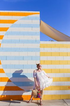A Complete Palm Springs Travel Guide Cinder Block Walls, Cinder Blocks, Instagram Wall, Wall Murals, Wall Art, Mural Art, Murals Street Art, Ace Hotel, Photo Location