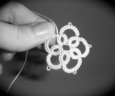 Finally with sound...this is a new video companion to my written Instructable of the same name for beginning needle tatting. This one includes spoke...