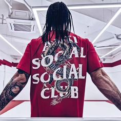 Anti Social Social x Ed Hardy Tee We got this China-exclusive collab between Ed Hardy (legendary tattoo artist) and ASSC! This tee is hot hot hot with its illustrative dragon weaving throughout the text. Anti Social Social Club, Hypebeast, Tattoo Artists, Streetwear, Shirt Designs, Weaving, Dragon, China, Street Style