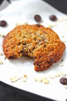 Crispy Chocolate Chip Oatmeal Cookies - It Bakes Me Happy
