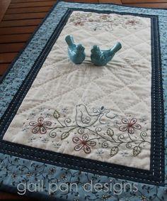 Little bluebird tablerunner