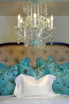 House of Turquoise: Happy New Year with Turquoise Chandeliers! ~~~Love the large scale of this chandelier. Turquoise Chandelier, Chandelier Lighting, Azul Tiffany, Tiffany Blue, Blue Pillows, Turquoise Pillows, Turquoise Accents, Feather Pillows, Beautiful Bedrooms
