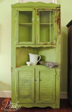 Lucketts Green corner cabinet - pink postcard.