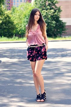 Roses are everywhere (by Alexandra M.) http://lookbook.nu/look/3718723-Roses-are-everywhere