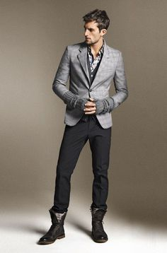 Model is Rafael Lazzini. Photos are from the official Zara website.