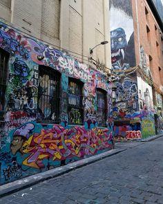 Even the light changes the #art #hosierlane  #hosier1017  #melbourne #hosierla #hosierlanemelbourne #melbournephotographer #melbournelaneways #melbourneiloveyou #melbournecity #aroundmelbourne  #melbourneartist #melbournecbd #ig_graffiti  #ig_australia #ig_victoria #instaaussies #instamelbourne #instamelb #ig_melbourne #melb #australia #ig_aussiepix  #instagraffitiart