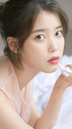 IU 💕 | Lee Jieun Korean Celebrities, Beautiful Celebrities, Beautiful Actresses, Korean Women, Korean Girl, Asian Girl, Singer Fashion, Iu Fashion, Korean Beauty