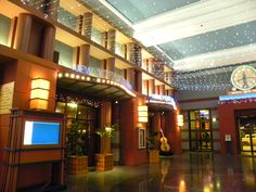 Disneyland Paris, Hotel New York => Oh, this one is still kinda my favourite. Look at that lobby.