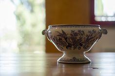 Home decoration. Decorazioni vecchie ceramiche