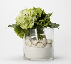 Elegant beach wedding centerpiece.
