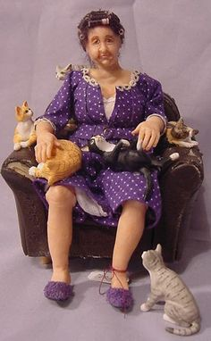 miniatyrmama: 2 of my favorite things purple and cats!