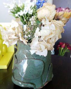 Hello, my flower fish! 💐 . . . #YJP #fish #pottery #flowers #💐 #🐟 #craft #diy #fun #sunglasses #art #instaart #hobby #photography #decoration #home #魚 #花 #土芸 #アート #趣味 #일상