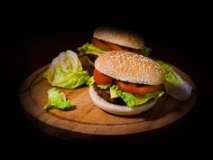 Elisabeta Vlad took this awesome photo that has food, burger in it The World's Greatest, Bon Appetit, Hamburger, Food Photography, Ethnic Recipes, Hamburgers, Loose Meat Sandwiches