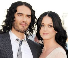 Russell Brand: Κατηγορεί την Katy για το διαζύγιο