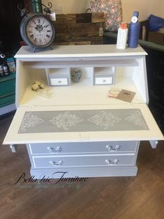 Everlong Early Grey and Vintage White Www.bellachicfurniture.co.uk