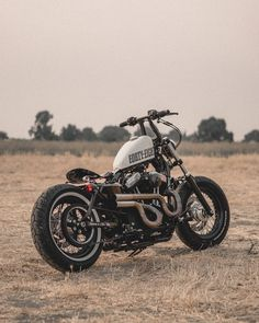 Sportster 1200, Harley Davidson Sportster, Motorcycle Luggage, Bobber Bikes, Forty Eight, V Rod, High End Fashion, Yamaha, Biker