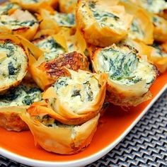 spinach and cream cheese pastry puffs