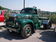 Mack photos, picture # size: Mack photos - one of the models of cars manufactured by Mack Old Mack Trucks, Big Rig Trucks, New Trucks, Cool Trucks, Mack Attack, Train Truck, Road Train, Custom Big Rigs, Classic Trucks