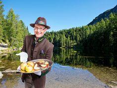 Butler, Wonderful Places, Sunnies, Villa, Winter, Chalets, Vacation Pictures, Tourism, Alps