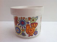 Lovely small vintage pot in the Gaytime design by Onmykitchentable