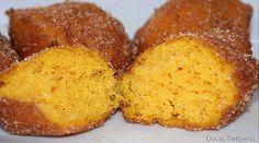 Receitas de Portugal: Bilharacos ---O bilharaco é um doce típico da região de Aveiro. Portuguese Desserts, Portuguese Recipes, Fall Recipes, Cornbread, Christmas Cookies, Biscuits, Muffin, Goodies, Food And Drink