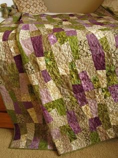 Patchwork Quilt Purple and Green | PatchworkMountain - Quilts on Etsy