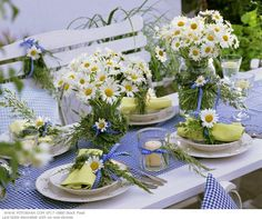 Summer centerpieces for kitchen table weddings tables decoration ideas a garden party winning Summer Table Decorations, Summer Centerpieces, Decoration Table, Table Centerpieces, Wedding Centerpieces, Daisy Decorations, Graduation Centerpiece, Quinceanera Centerpieces, Centrepieces